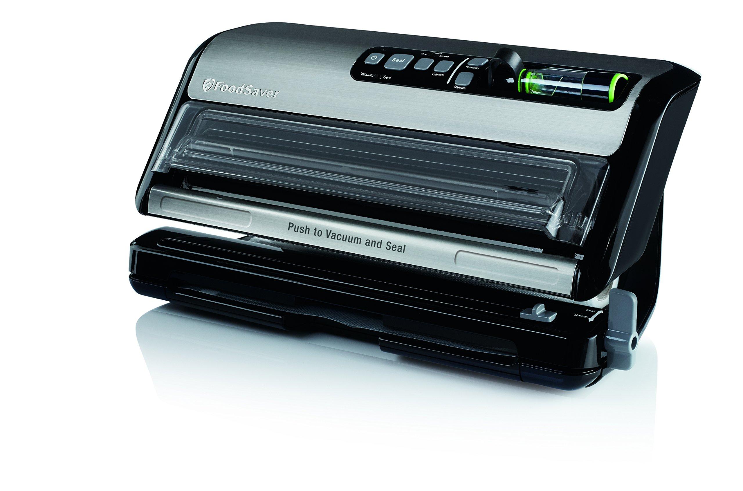 FoodSaver New FM5000 Series 2-in-1 Vacuum Sealing System Plus Starter Kit, FM5200