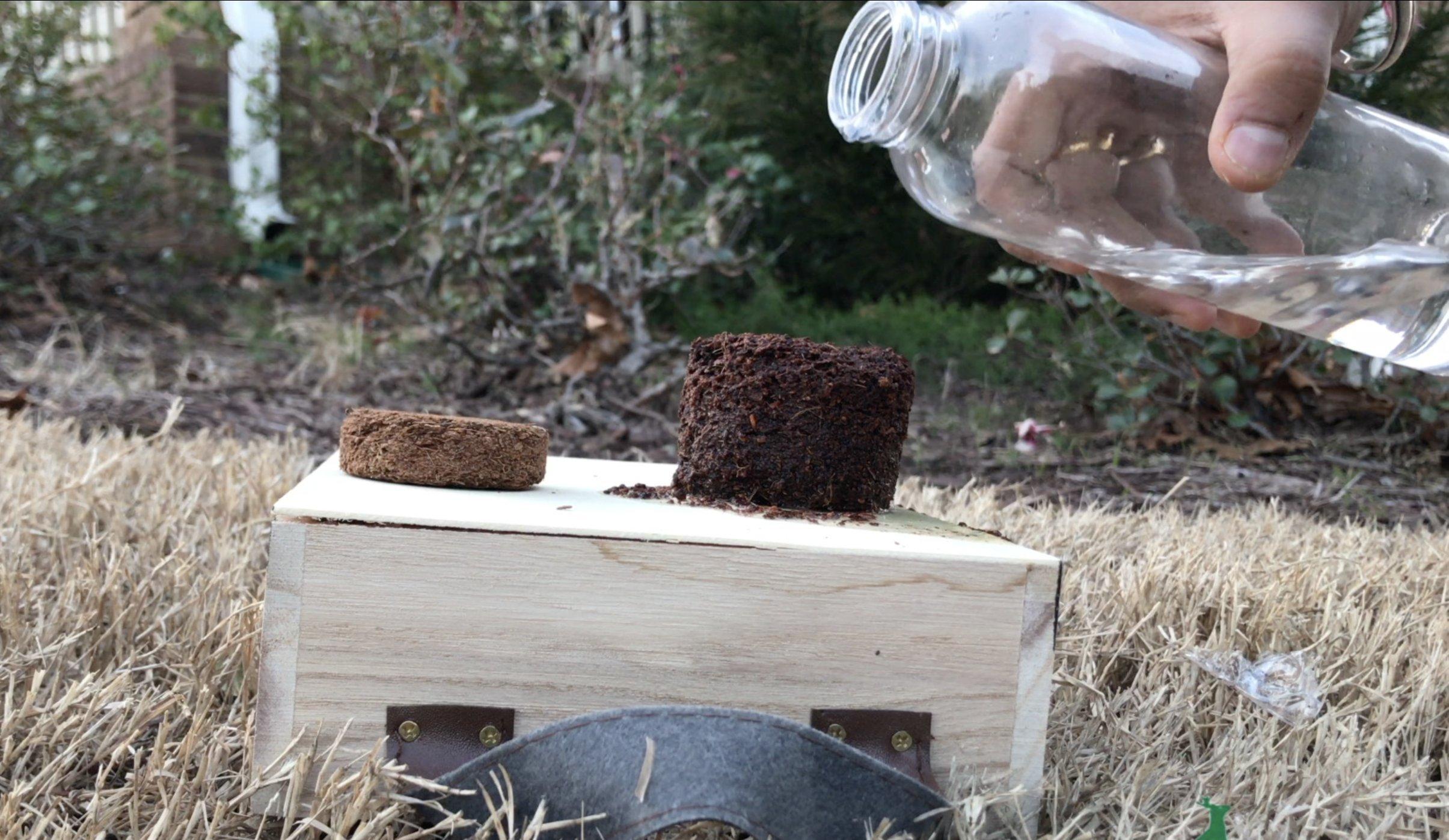 Everan Natural Coco Peat 5 KG brick Pallet