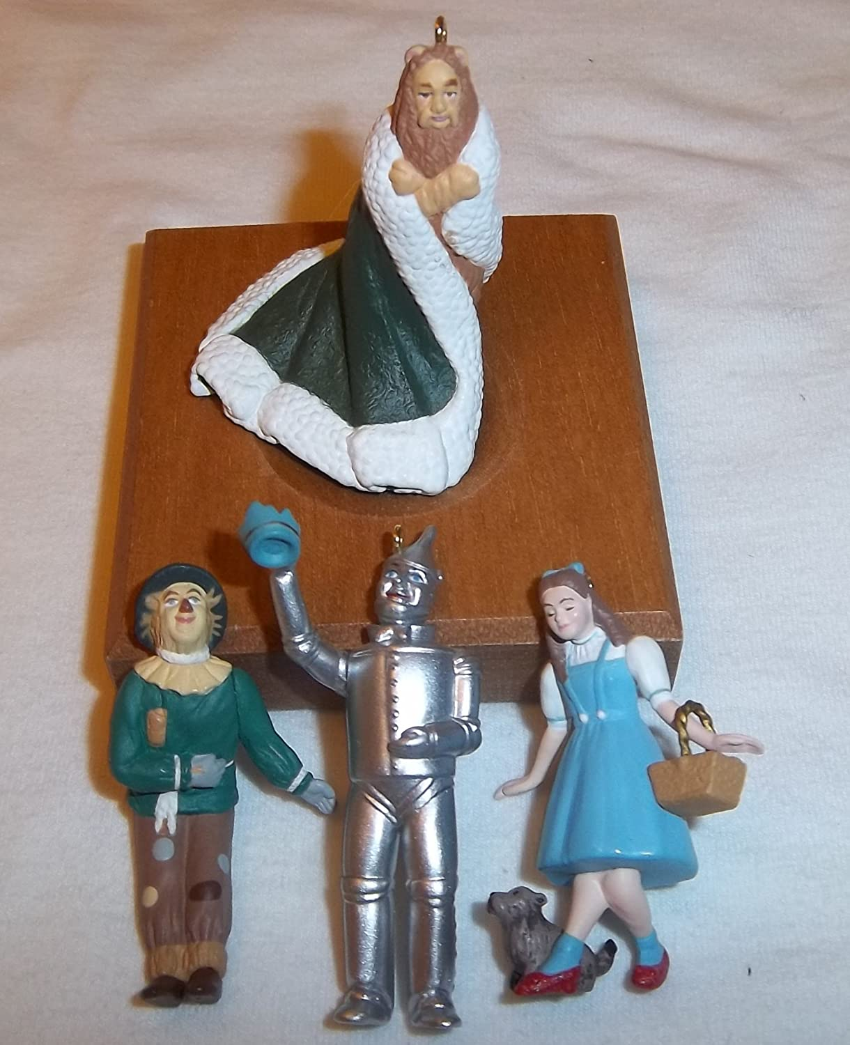 Hallmark 1997 Wizard of Oz King of the Forest (Set of 4) Miniature Ornaments
