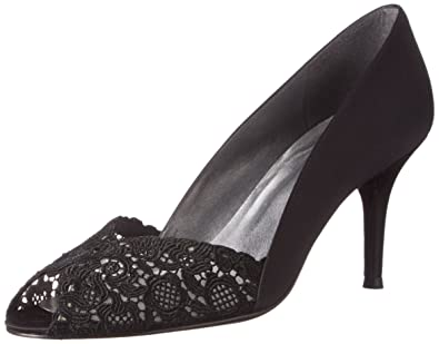 692adaa0374 Amazon.com  Stuart Weitzman Women s Chantelle Peep-Toe Pump  Shoes