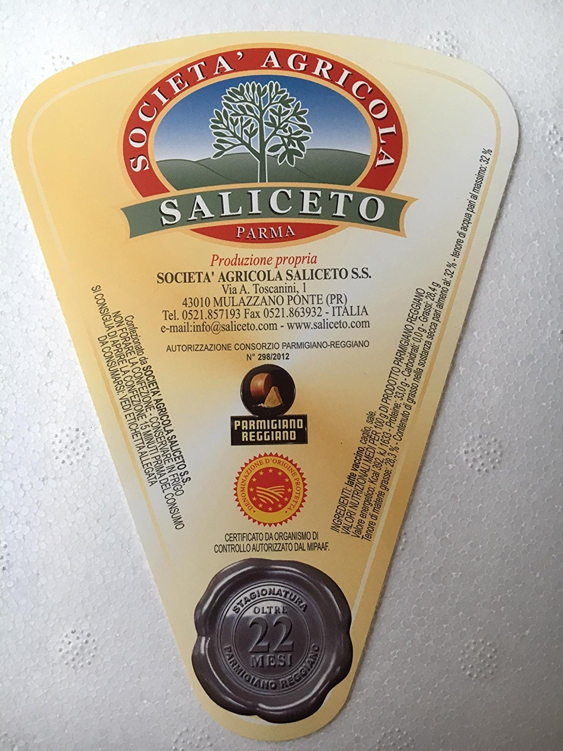 3 Pieces PARMIGIANO REGGIANO PDO from hill, each 3 lbs, qual.''Extra'' vacuum packed, (total = 9 lbs) seasoned 24 months by Parmigiano Reggiano PDO (Image #1)