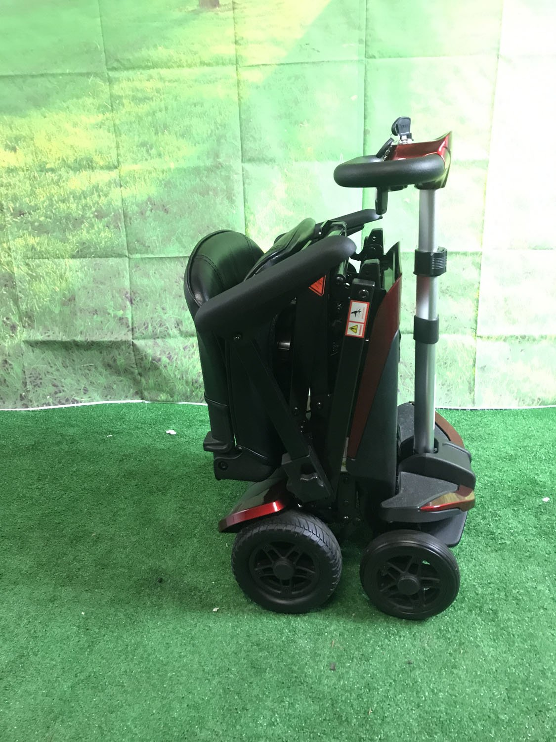 Amazon.com: Plegable Scooter Color: Rojo: Health & Personal Care