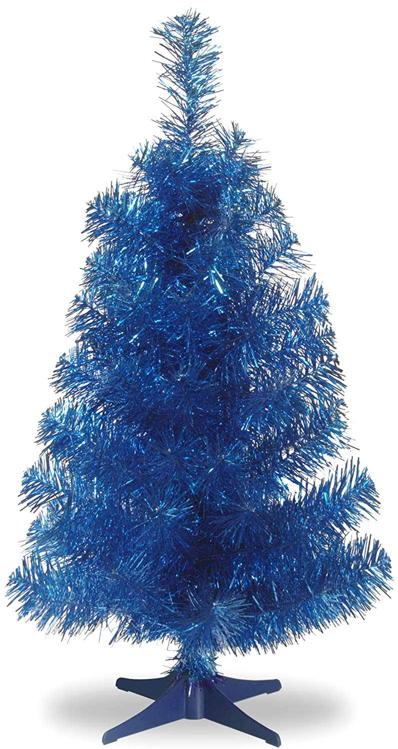 Cool Retro Tinsel Christmas Tree that comes in tons of colors and sizes. Here are some of the best Vintage Christmas Decor Ideas I've found this year. #AbbottsAtHome #ChristmasDecor #ChristmasIdeas