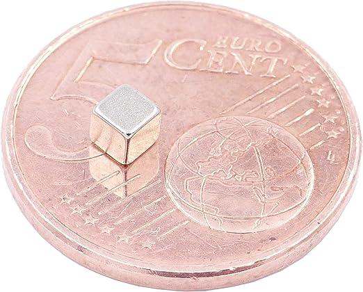 Photo Aimants en n/éodyme Ultra Fortes N52 Niveau Le Plus Forte Artisanat Aimant de Puissance pour mod/élisme Brudazon 50 Mini Aimants Cube 3mm Tableau Blanc Cube Extra Forte