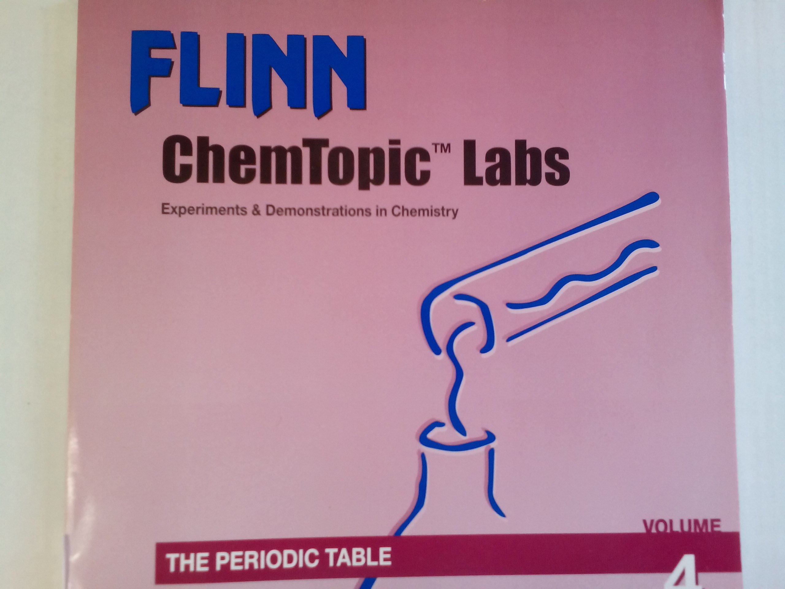 the periodic table flinn chemtopic labs experiments demonstrations in chemistry 4 irene cesa 9781877991721 amazoncom books