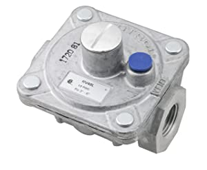 "Maxitrol RV48L Natural Gas Pressure Regulator, 1/2"" FPT Thread, 3/4"" In and Out Opening, 1/2 PSIG In, 3""-6"" WC Out"