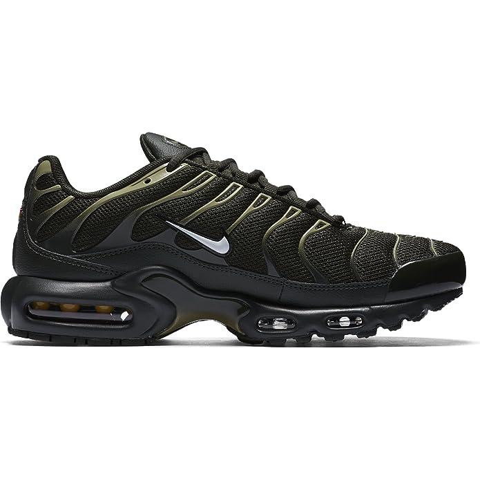 Amazon.com   Nike Air Max Plus Lifestyle Fashion Sneakers Mens (9)   Road Running