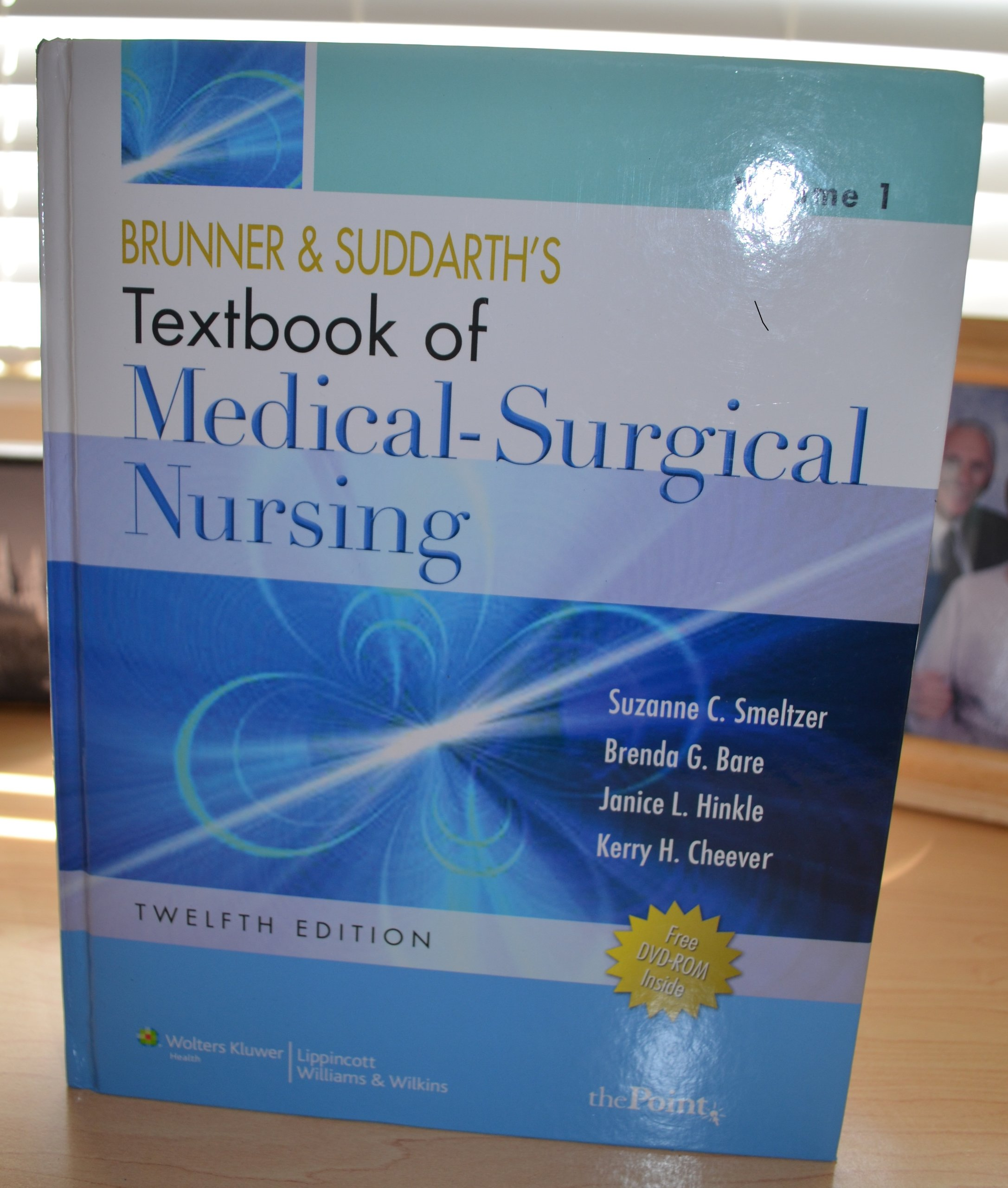 By suzanne c smeltzer brenda bare janice l hinkle kerry h kerry h cheever brunner and suddarths textbook of medical surgical nursing two volume set twelfth edition twelfth 12th edition amazon books fandeluxe Choice Image