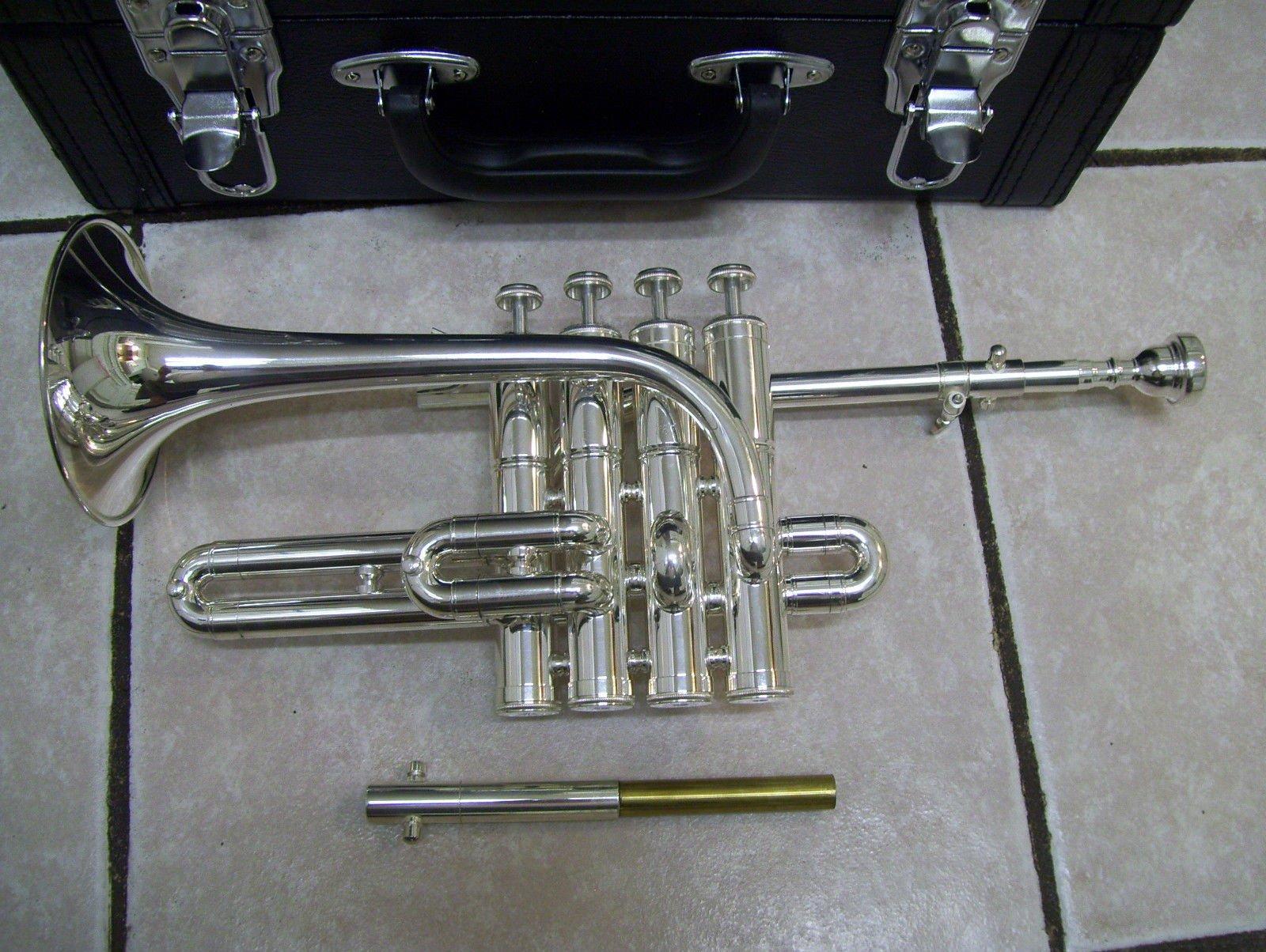 Piccolo trumpet, 4 piston, with hard case and mouthpiece by Maestro