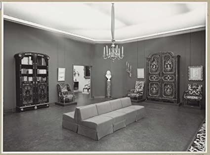 Bon Classic Art Poster   Room With Furniture, A Bust, A Bench For Visitors And