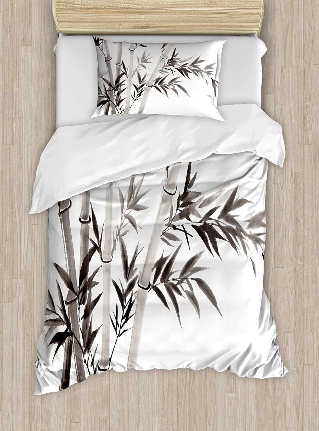 Largemouth Sea Bass Catching a Bite in Water Spray Motion Splash Wild Image Ambesonne Fishing Decor Duvet Cover Set 3 Piece Bedding Set with Pillow Shams Queen//Full Green Blue nev/_21301/_queen