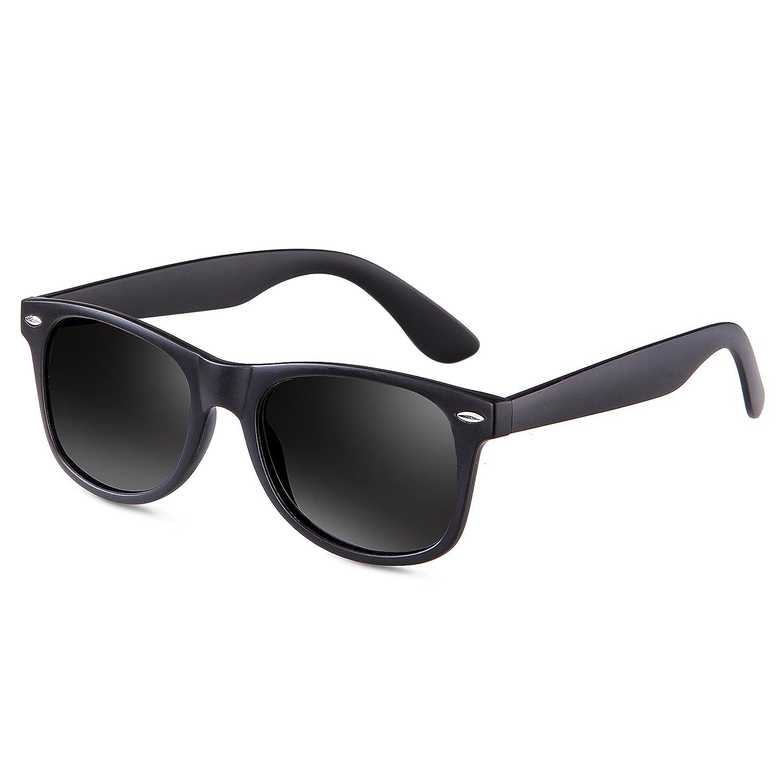 b8ad523569 Amazon.com  Mens Sunglasses for Men -wearpro Retro Vintage Polarized  Sunglasses WP1001(A Matte Black2