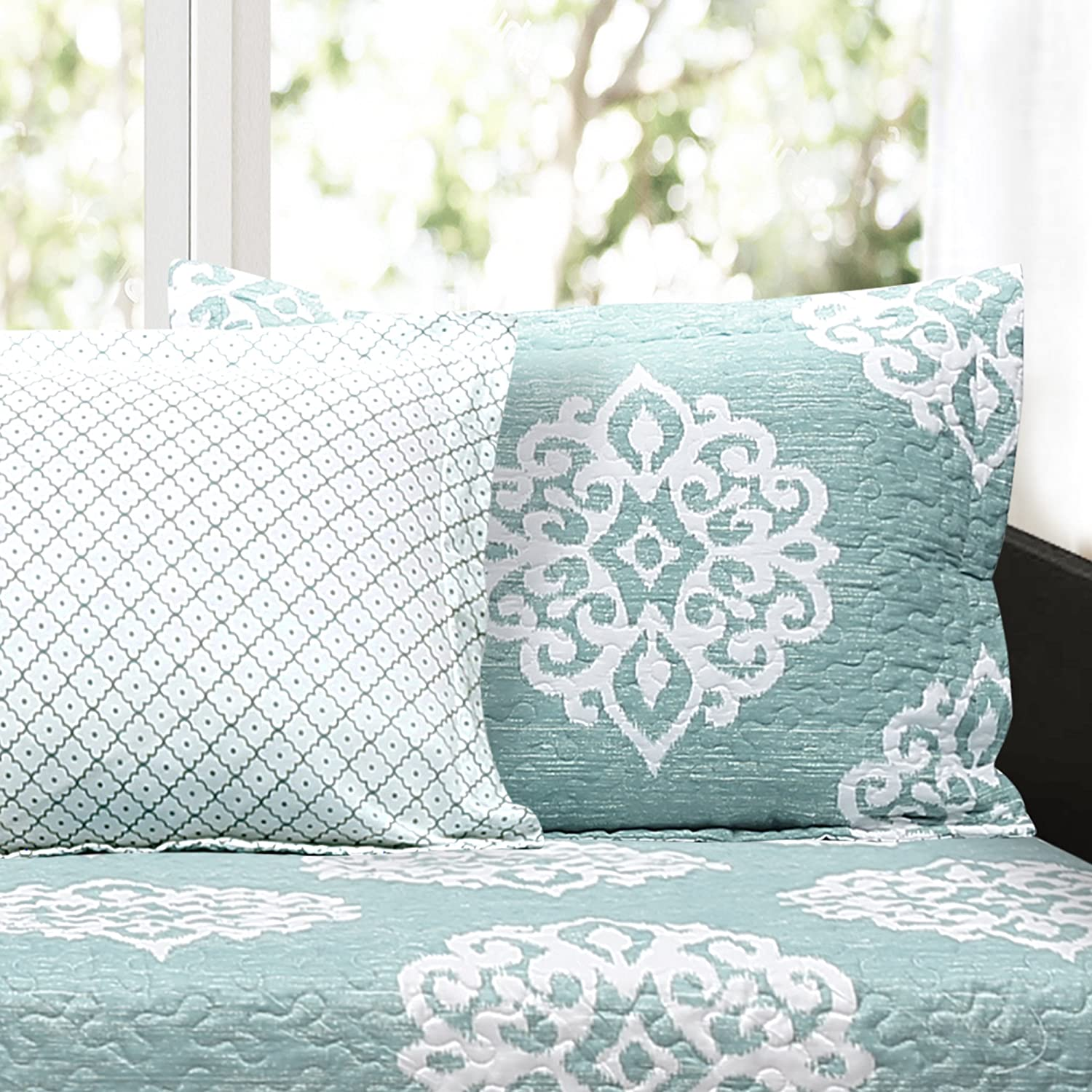 39 x 75 Blue Lush Decor 6 Piece Sophie Daybed Cover Set