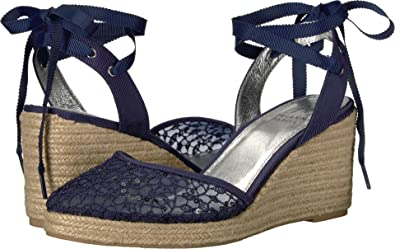a25a6e68f61 Amazon.com  Adrianna Papell Women s Pamela Wedge Sandal  Shoes