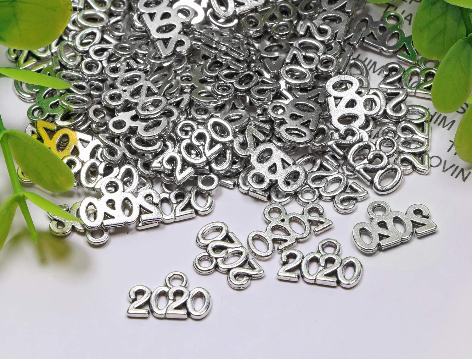 Silver, 2020 Shapenty Mini Metal Year Signet 2020 DIY Pendant Charms Accessory Bulk for Bracelet Necklace Earrings Keychain Tassels Crafting Jewelry Making Christmas Graduation Party Decor 100PCS