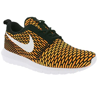NIKE Men's Roshe NM Flyknit, Black/White-Total Orange-Volt, 8