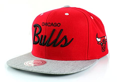6980609f74a NBA Mitchell   Ness Special Script Heather Visor Adjustable Snapback Hat (Chicago  Bulls)