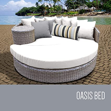 Amazon.com: TKC Oasis redondo Patio mimbre sofá cama en ...
