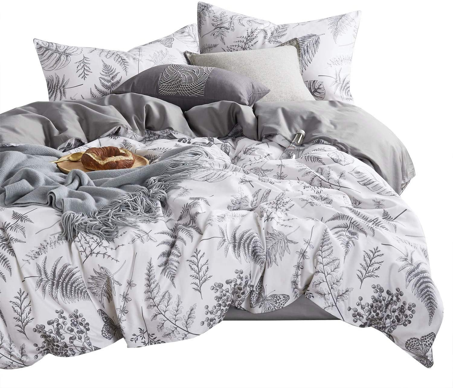 Wake In Cloud - Botanical Duvet Cover Set, Plant Tree Leaves and Butterfly Pattern Printed in Black White Gray Grey, Soft Microfiber Bedding with Zipper Closure (3pcs, Queen Size)