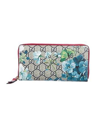 be3b9ec1d0a Amazon.com  GUCCI Blooms GG Supreme mini chain bag Blossoms Blue Handbag  Box New   Clothing