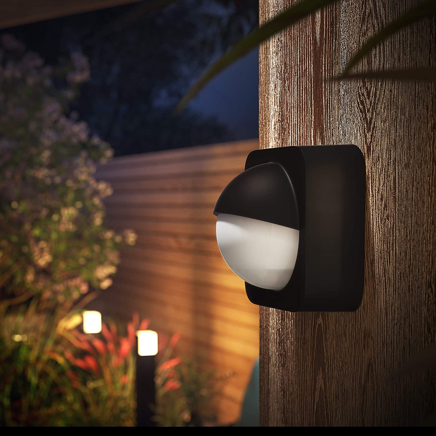 Philips 17522//30//10 Black Outdoor Home Security Lamp Light Motion Sensor NEW