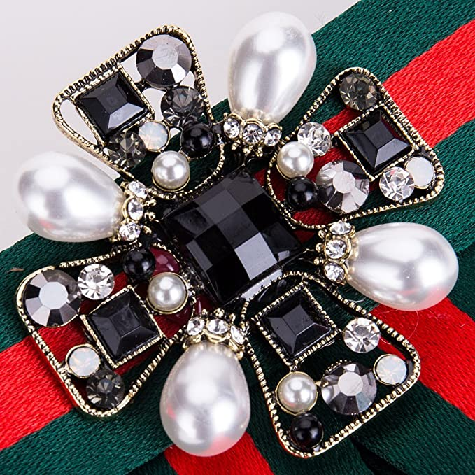 b005b36c0119 Parkho Women Premium Crystal Pearl Bow Brooch Pre-Tied Neck Tie Brooches  Pin Bow Tie Collar Jewelry Dangle Wedding Party Bow Tie  Amazon.co.uk   Kitchen   ...