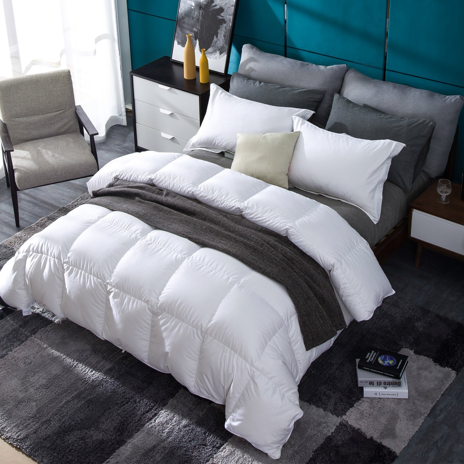 Globon Fusion Lavender Scented White Down Comforter Queen Size (90-Inch-by-90-Inch) 50oz, 300 Thread Count, 600 Fill Power, Heavyweight for Winter, with Corner Tabs,White XJMY-B17014CA