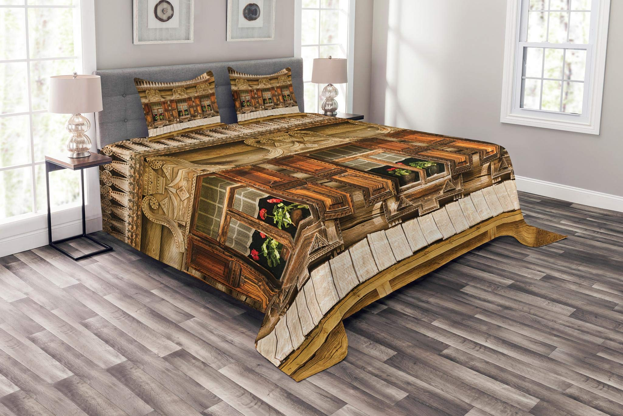 Lunarable Shutters Bedspread Set King Size, Traditional Russian Wooden Building with Three Windows in Veliky Novgorod Picture, Decorative Quilted 3 Piece Coverlet Set with 2 Pillow Shams, Brown Green