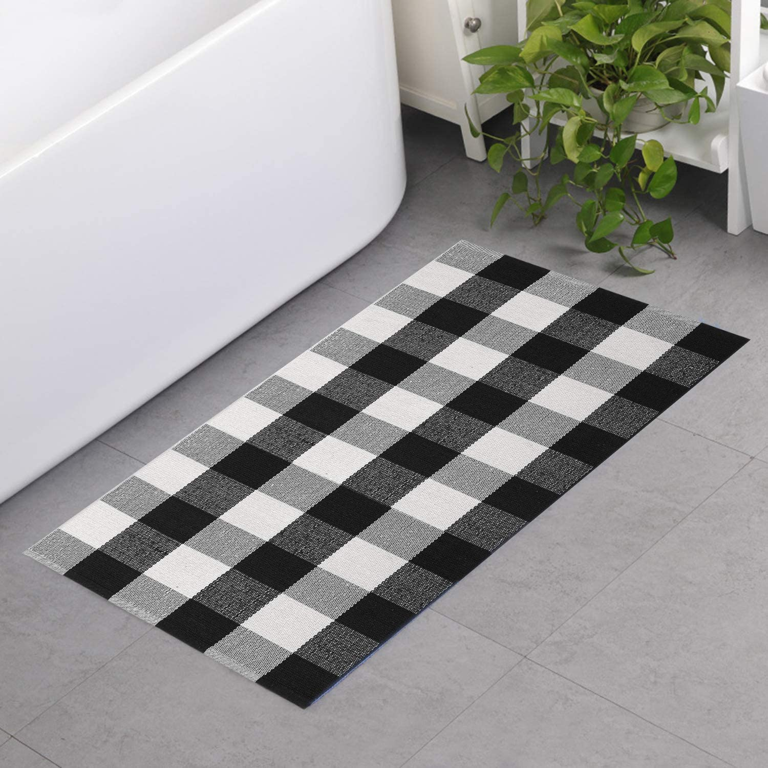 MUBIN Buffalo Plaid Check Runner Rug Reversible 2 x 4 ft Cotton Black and White Checkered Washable Rug for Kitchen/Laundry/Bedroom/Bathroom/Entry (2' x 4', Black&White)