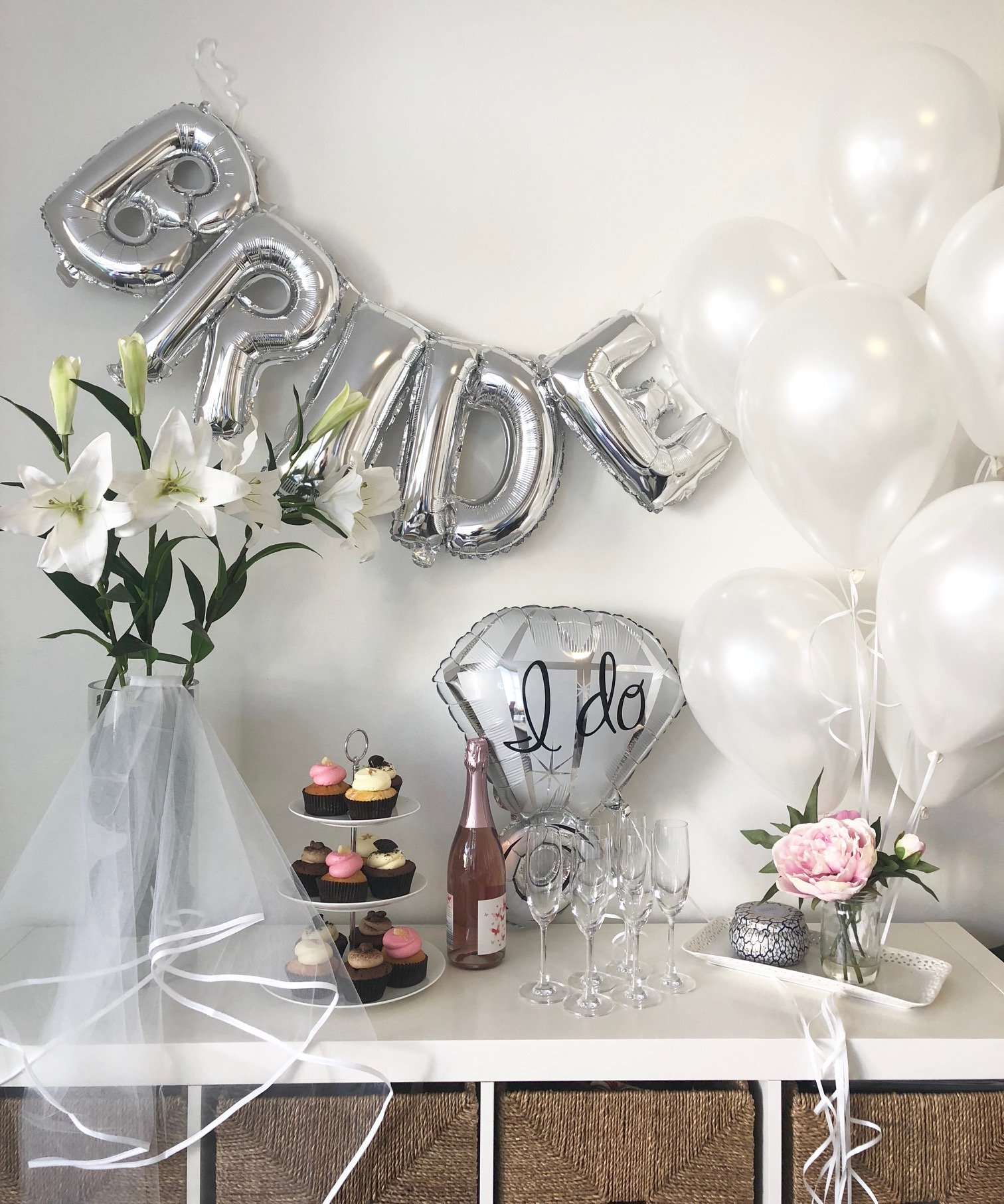Silver & White Classy Hens Bachelorette KIT - 15 Piece Set: 8 Latex Balloons - 1 3D FOIL Banner Bride - 1 Satin Trimmed Veil - 1 Shiny Ring Balloon by JACA (Image #1)
