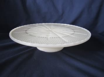 Vintage Anchor Hocking Milk Glass Ivory u0026 Gold Pedestal Cake Plate 10 1/4u0026quot; & Amazon.com: Vintage Anchor Hocking Milk Glass Ivory u0026 Gold Pedestal ...