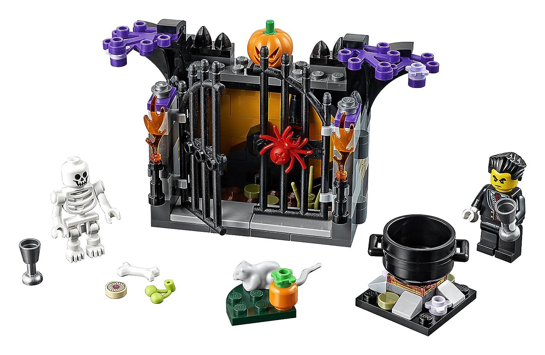 Lego Halloween Sets 2019.Lego Holiday 6175449 Halloween Haunt 40260 Multi