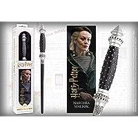 The Noble Collection - Varita de PVC Narcissa Malfoy de 30 cm con libro prismático ...