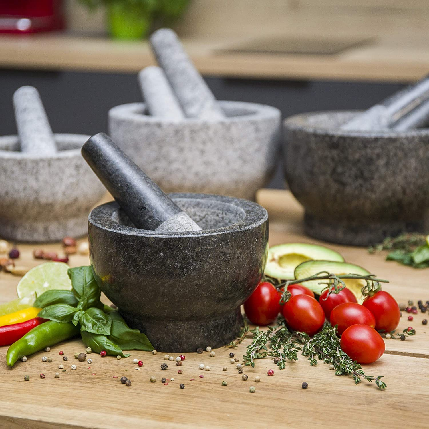 ChefSofi Mortar and Pestle Set - Black Polished Exterior - 6 inch - 2 Cup Capacity: Kitchen & Dining