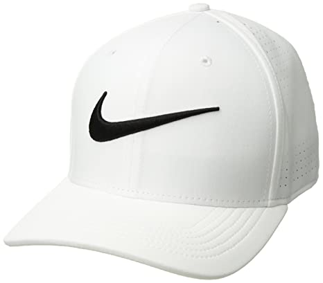 056800b90df Nike Vapor Classic 99 SF Training Hat at Amazon Men s Clothing store