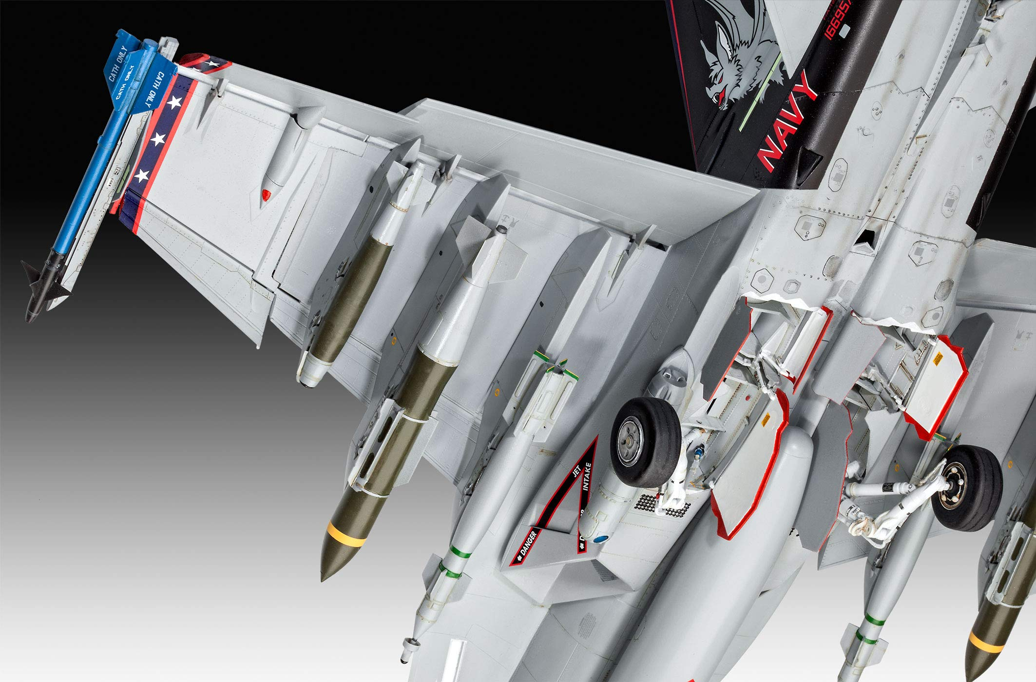 Revell of Germany 04994 1/32 F/A-18E Super Hornet by Revell of Germany (Image #5)