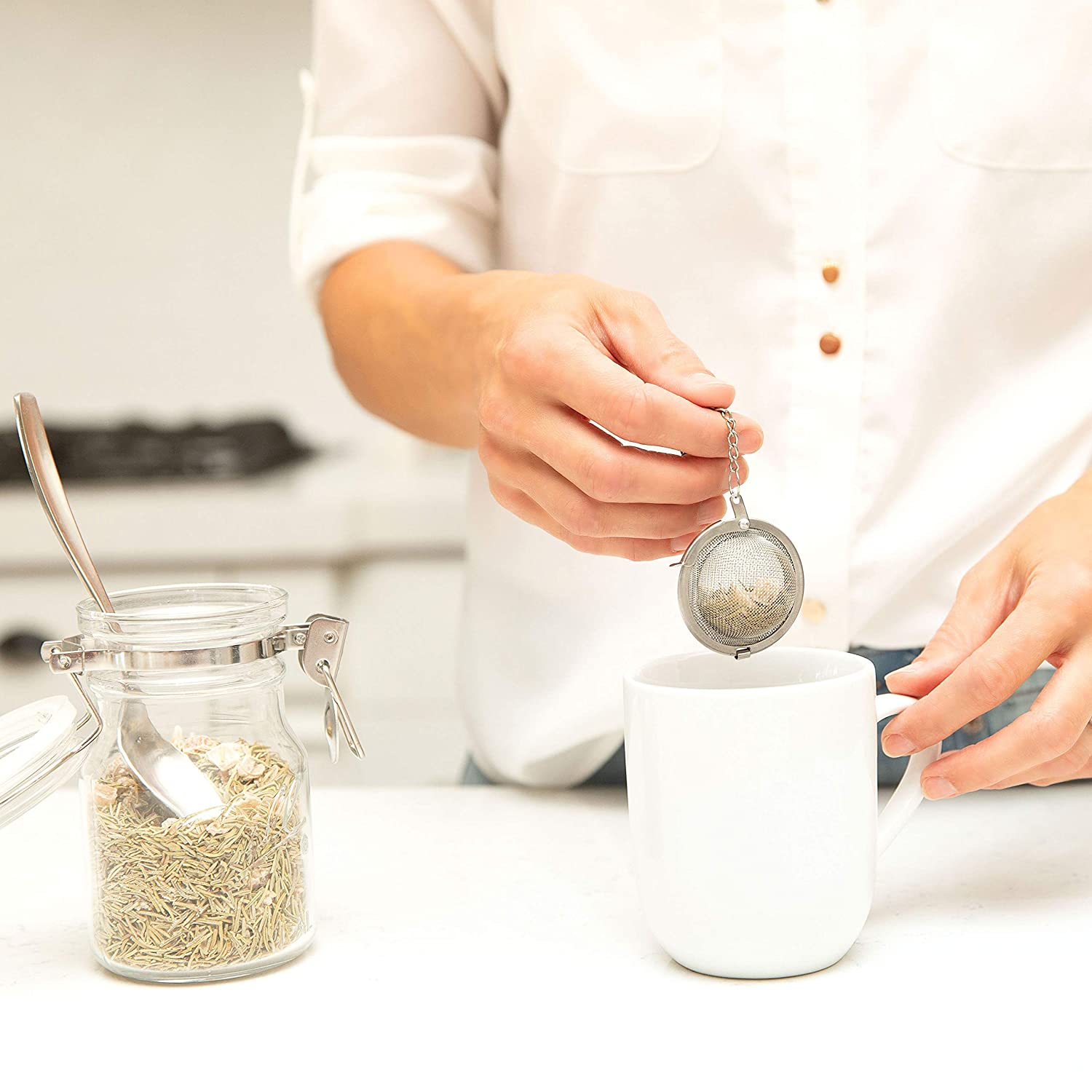 and Herbal Tea Cooking Spices Herbs Green Healthy Tea Steeper Interval Diffuser Brewers Black and Seasoning Loose Leaf Tea Infuser and 1 Extra Fine Mesh Strainer Stainless Steel Tea Ball Filter