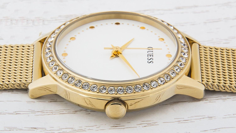Guess Reloj analogico para Mujer de Cuarzo con Correa en Acero Inoxidable  W0647L7  Amazon.es  Relojes e836a6ef3899