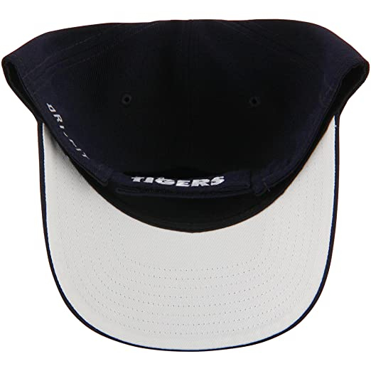 285dd43970e09 Amazon.com   Nike Detroit Tigers Wool Classic Adjustable Performance Hat  Navy   Sports   Outdoors