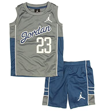 5682ea29f48b amazon.com nike air jordan jumpman little boys 2 piece top and shorts  outfit set clothing
