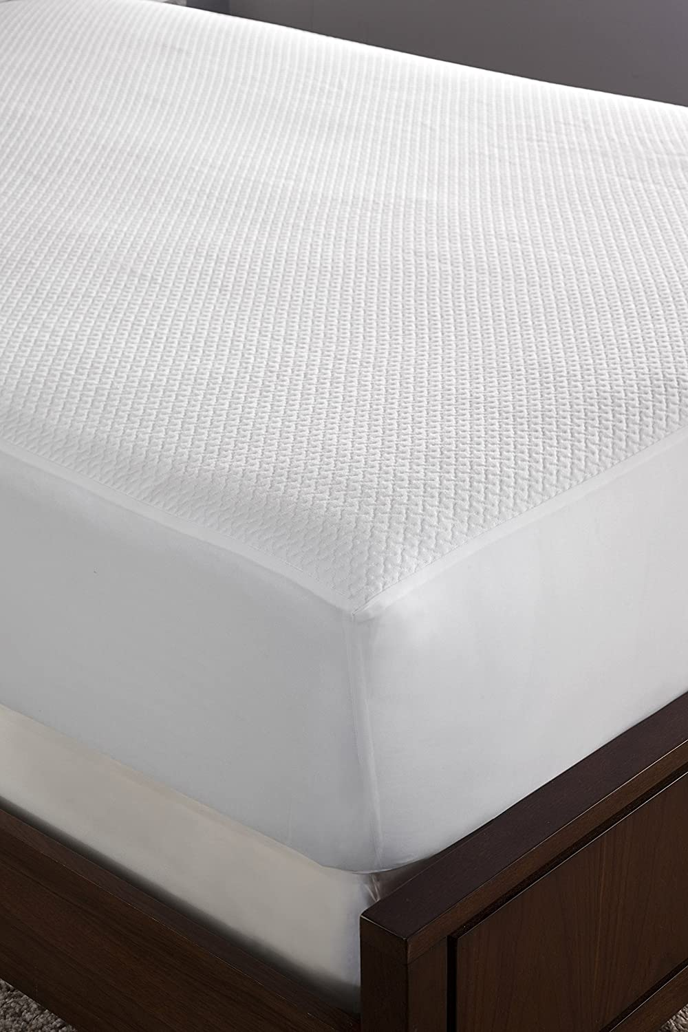 Perry Ellis Very Cool Mattress Protector, Queen, White
