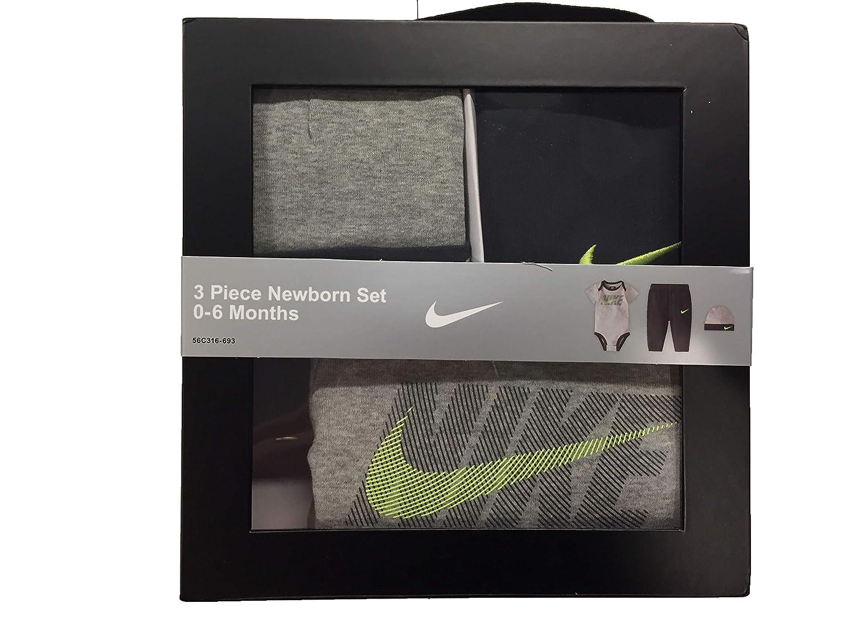 5424cfb5b Amazon.com: Nike Infant Futura Three-Piece Boxed Set: Clothing