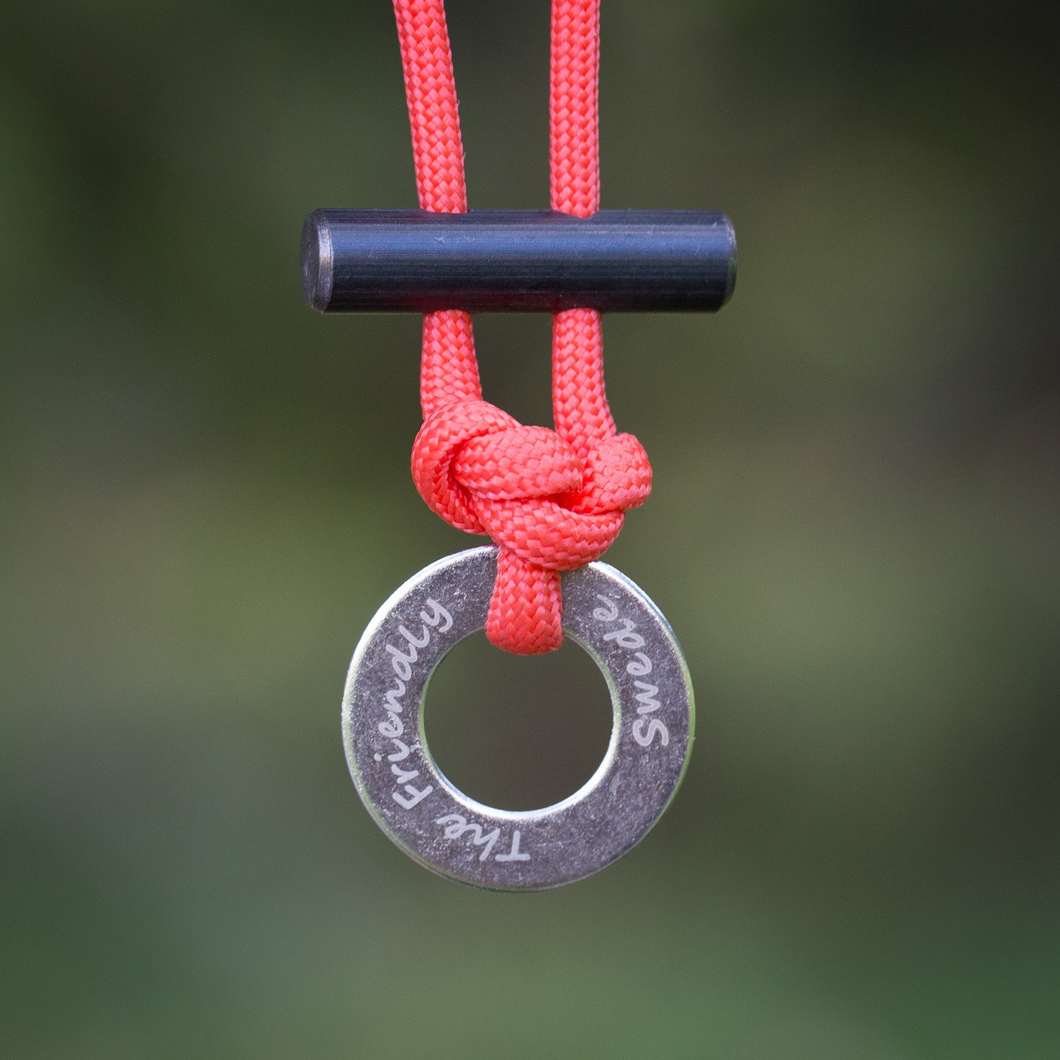 The Friendly Swede Paracord Necklace With Fire Starter