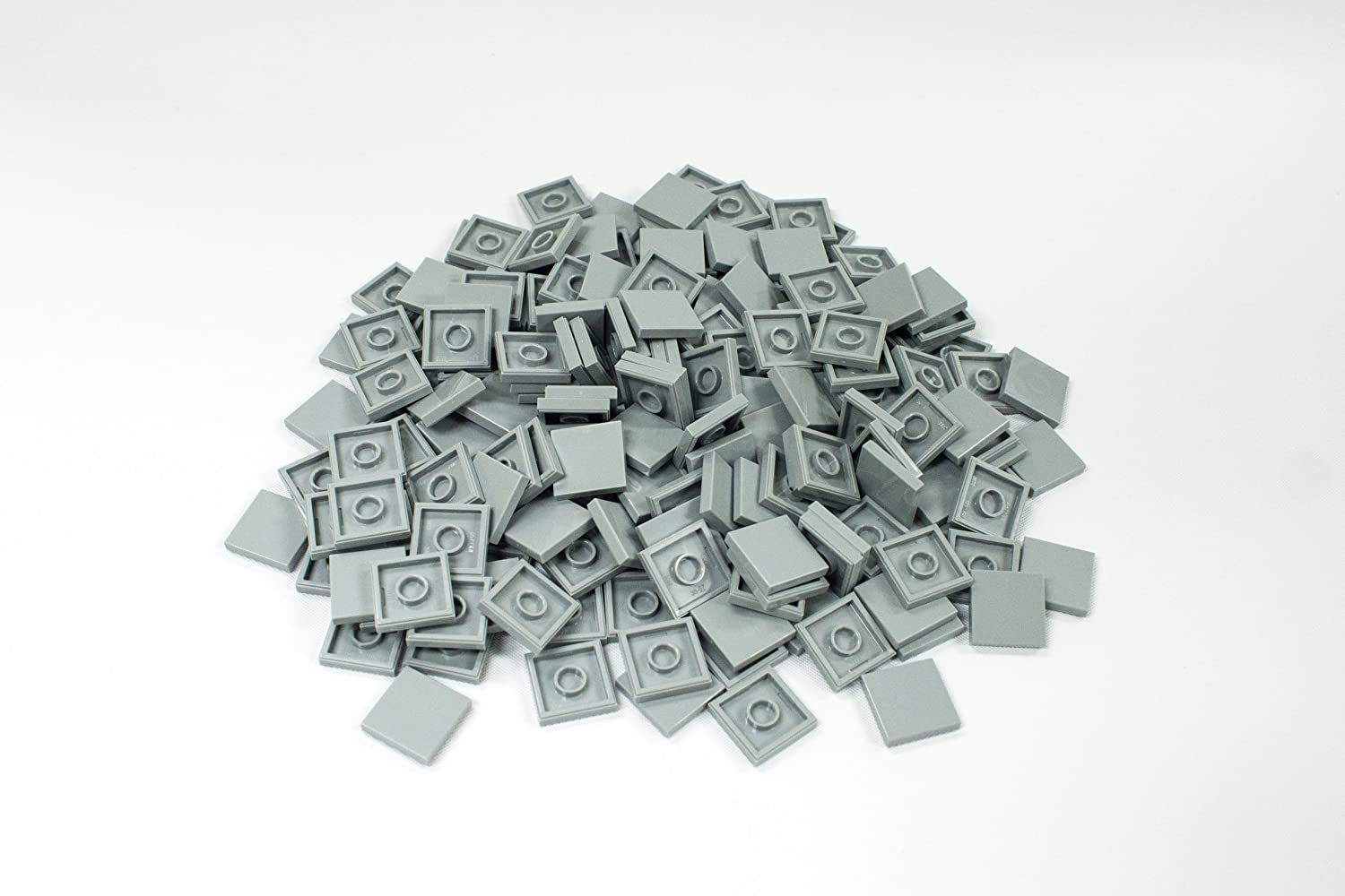 200x Lego Medium Stone Grey (Light Grey) 2x2 Flat Tiles Super Pack