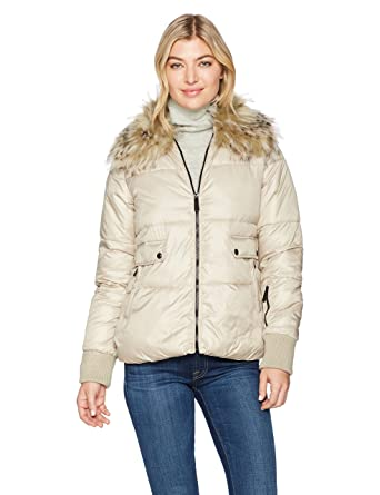 ccac612b4 Sam Edelman Women s Short Jacket with Faux Fur Collar at Amazon Women s  Coats Shop