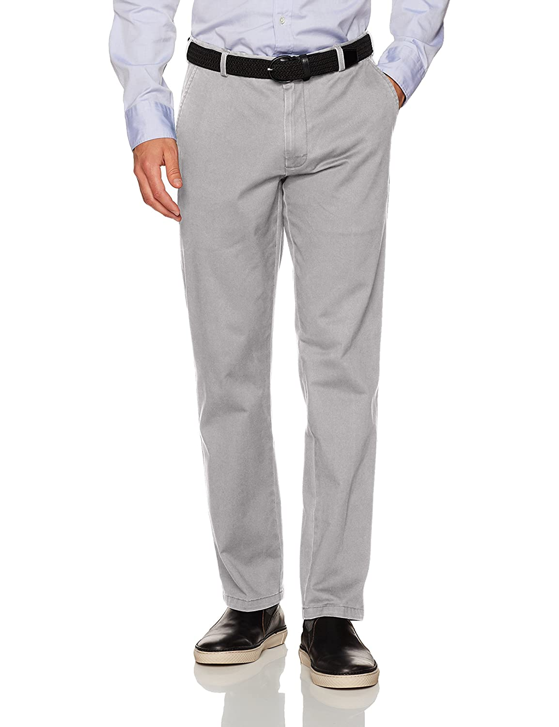 IZOD Men's Saltwater Stretch Chino 45BP017