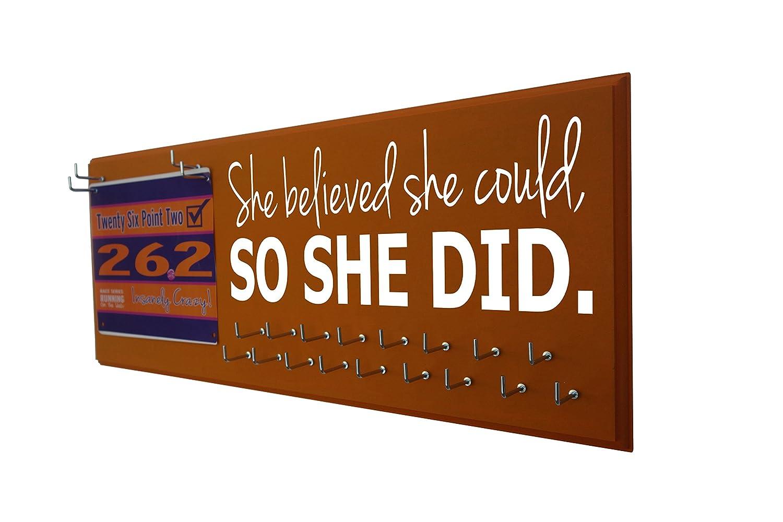 Running on the Wall、実行メダルハンガー、実行Medal表示とレースBibs – 彼女は彼女と信じられたため、彼女はでした – Runningメダルホルダー、ギフトのランナー。 B01N3Q18BY オレンジ