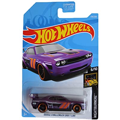 Hot Wheels Nightburnerz 6/10 Dodge Challenger Drift Car 179/250, Purple: Toys & Games