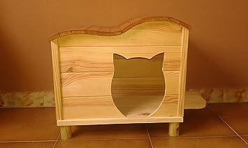 Casa para gatos de madera artesanal nueva.