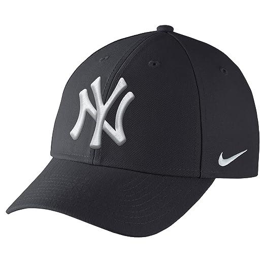 Amazon.com  Nike Men s Yankees DF Wool Classic Baseball Cap Navy ... 88555e43c16